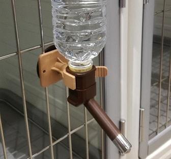ペット用給水ボトル